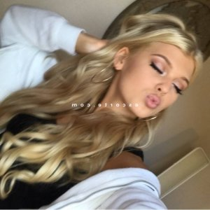 Danyele escorte massage sexe
